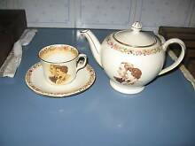 Royal Winton Teapot ,Cup and Saucer Oakford Serpentine Area Preview