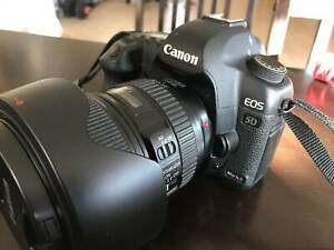 Canon 5D Mark II and Lens