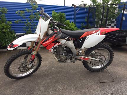 HONDA CRF 450 X 2004 WRECKING BIKE