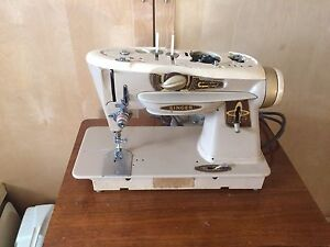 Singer sewing machine model 500j rocketer