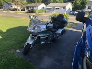 "2000 Honda Goldwing GL1500 SE ""LOW KMS""  Financing available"