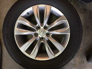 "18"" Kia Sorento rims and tires"