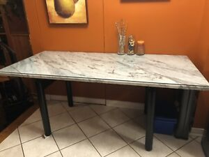 Like new marble kitchen table with custom glass + 6 chairs