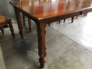 Kitchen dining room table w/6 chairs & leaf