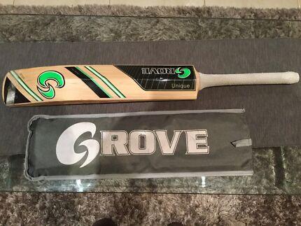 Grove Cricket Bat