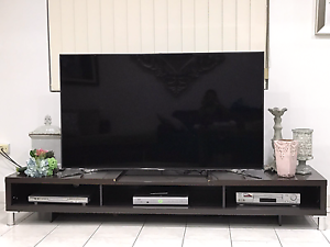 Tv unit dark brown Georges Hall Bankstown Area Preview