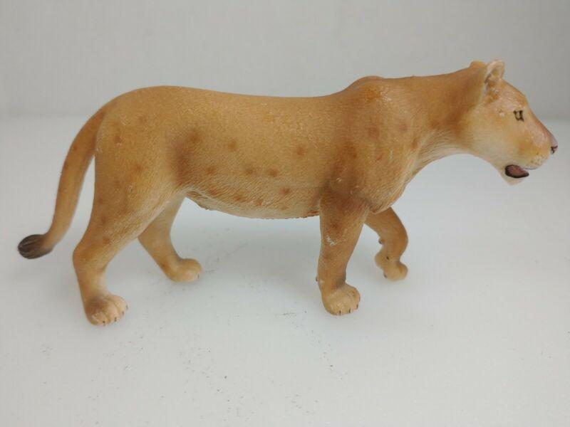 Schleich 14363 Lioness/ Female Lion Wildlife Animal Figure Retired