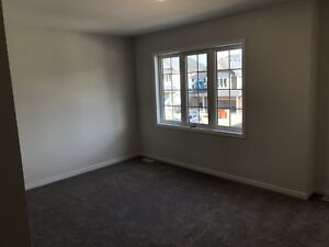 Rooms for rent for female students in spacious house