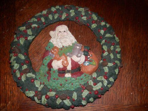 Resin Santa Christmas Door/Wall Wreath, 11 in. Diameter, Vintage
