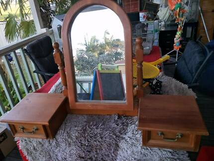 table topper  , mirror and drawers