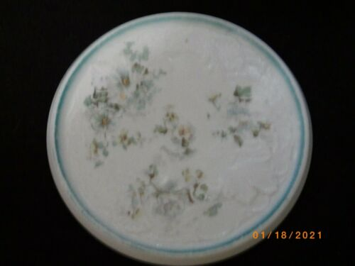 ANTIQUE VINTAGE ROUND PORCELAIN TRIVET HOT PLATE TEA TILE BLUE FLORAL MOTIF