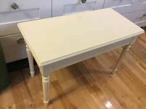 Butter cream panio bench- 1 available