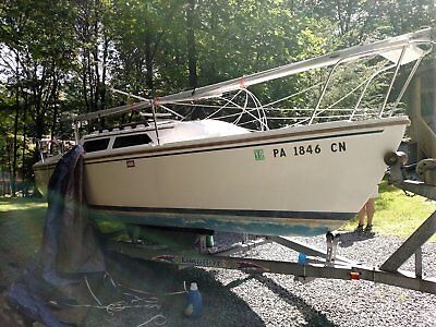 1987 Catalina 22 Sailboat