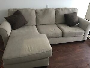 3 seater sectional best offer. Pick up asap