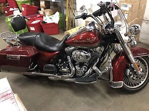 2009 Harley Davidson Roadking. Rienhart slip ons , loaded