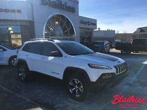 2018 Jeep Cherokee Trailhawk | 4X4 | TOW PKG | LOW KM |