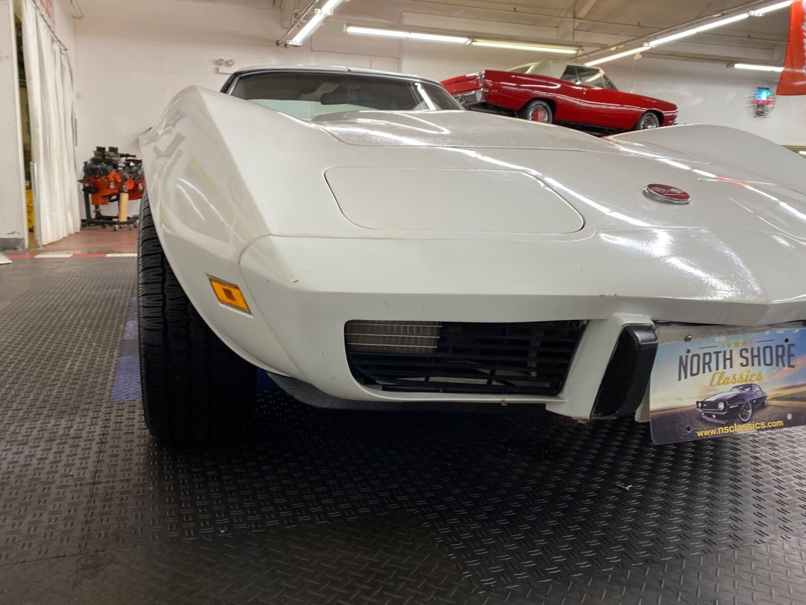 1975 White Chevrolet Corvette   | C3 Corvette Photo 7