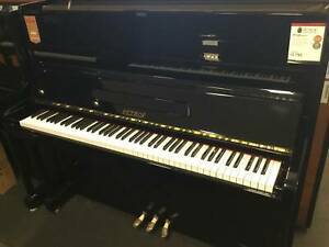 Petrof 122cm Upright Piano in Polished Ebony
