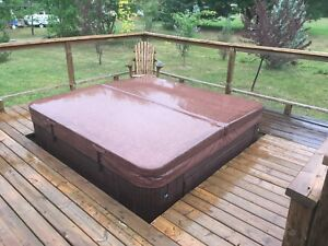 Spa Hot Tube 52 jets CostSpa Nortwind 7 places 92 x 92
