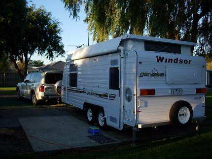 Windsor Genesis Pop Top - 19' tandem - Vacation Time!