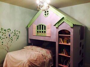 Tradewins dollhouse bed!