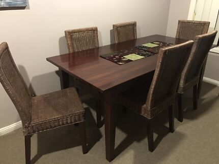 Table Chairs And Matching Side Dresser