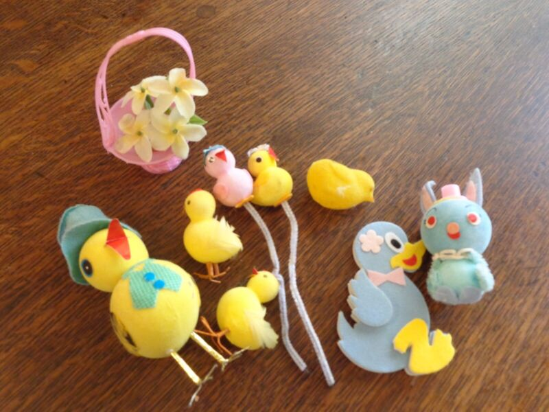 VINTAGE LOT OF 9 EASTER CHICKS CHICKENS ROOSTER DUCK RABBIT BASKET JAPAN CUTE!