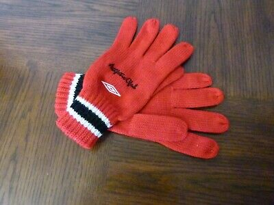 Umbro Athletic Club Men's Gloves Knitted 100% Acrylic Red Size Adult 100% Acrylic Knit Glove