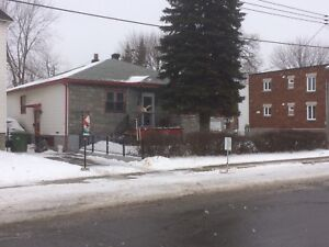 LaSalle 6,1/2 bungalow house for rent $1350/M not heated.