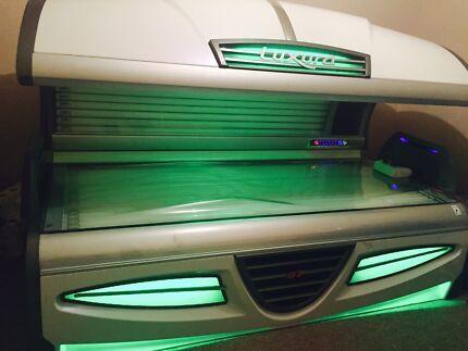 Luxura GT Solarium - Sun bed, tanning
