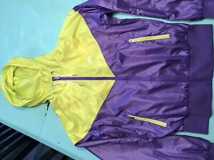 Women's Nike wind runner jacket