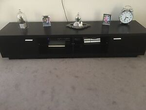 VERY GOOD condition dining set and coffee/side table, & tv unit Wollert Whittlesea Area Preview