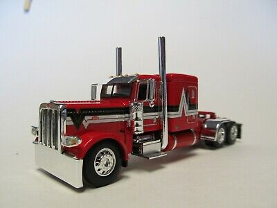 DCP FIRST GEAR 1/64 SCALE 389 PETERBILT FLAT TOP, RED WITH BLACK & SILVER STRIPE