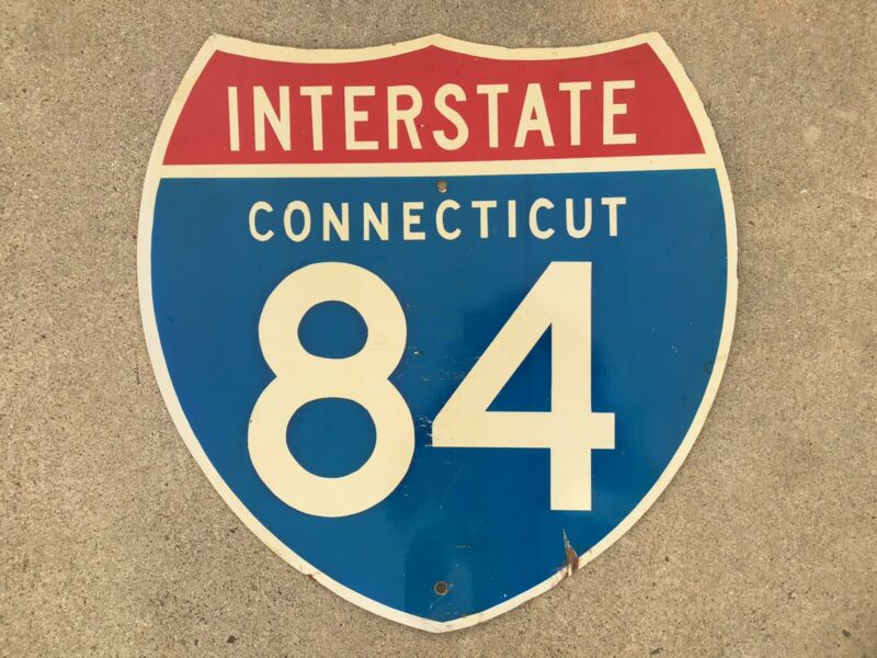 VINTAGE - AUTHENTIC - INTERSTATE - 84  CONNECTICUT - RETIRED - HIGHWAY SIGN