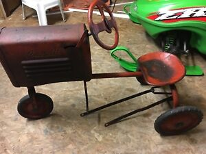 Pedal car tractor toy