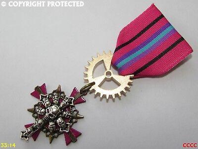 Steampunk gothic badge brooch pin drape Medal pirate cross of skulls - Draped Cross Pin