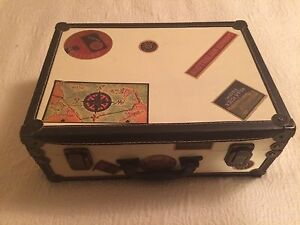 Small suitcase & clock decor set