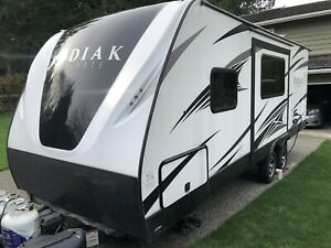 2018 Dutchmen Kodiak 240 BHSL travel trailer, luxury rv