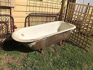 Antique Claw Foot Bath Tub Armidale Armidale City Preview