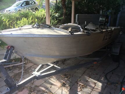 Boat tinny 14ft 4.3m for sale
