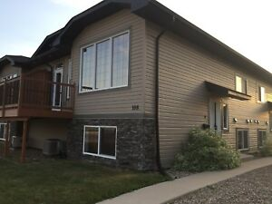 3 bedroom condo for sale in Martensville immediate possession!
