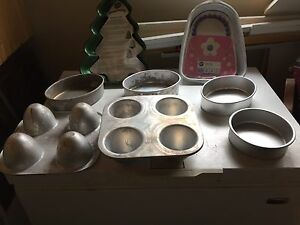 Cake decorating pans