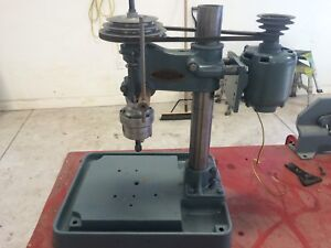 Tapping head fixture