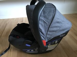 Britax B-Safe 35 Elite car seat with extra base $150 OBO