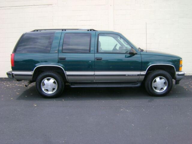 Imagen 1 de Chevrolet Tahoe green
