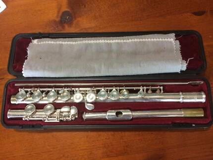 Selmer 1206 Flute and case