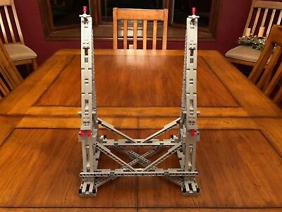 Vertical Stand for LEGO UCS 75192 Millennium Falcon 100% Genuine LEGO pieces!