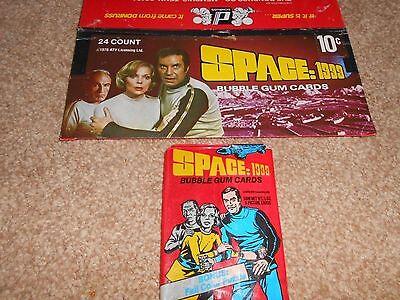 SPACE 1999 - Trading Cards Box DONRUSS 1976 + 1 WAX PACK Martin Landau ITC Bain