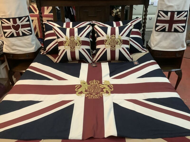 Royal Crest Throw and Cushion Set (V/W) Saving £6.90 On Individual Purchase