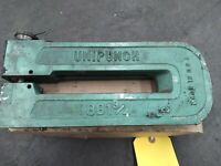 "Unipunch 8Ax1 Press Brake C-Frame Tooling Holder with 13//64/"" Round Die"